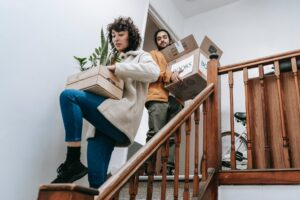 Professional moving companies offer packing and unpacking services. But, do you really need them? Here are some pros and cons to pro-packing.